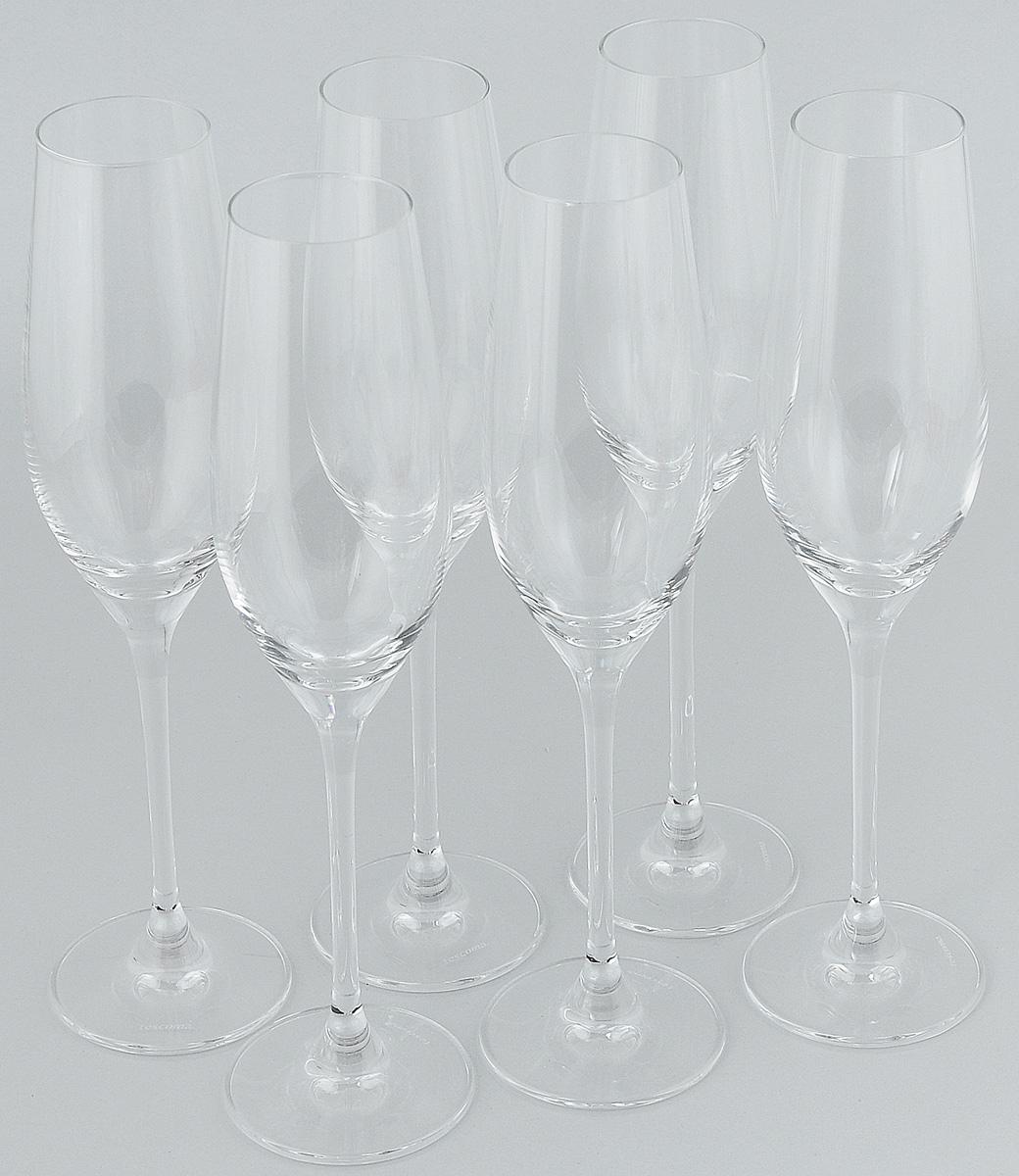 """Набор Tescoma """"Sommelier"""" изготовлен из кристально чистого хрустального стекла, состоит из шести бокалов. Изделия предназначены для подачи  шампанского и других игристых вин. Они сочетают в себе элегантный дизайн и функциональность. Набор бокалов Tescoma """"Sommelier"""" прекрасно оформит праздничный стол и создаст приятную атмосферу за романтическим ужином. Можно мыть в посудомоечной машине.  Объем бокала: 210 мл.  Высота бокала: 25 см."""