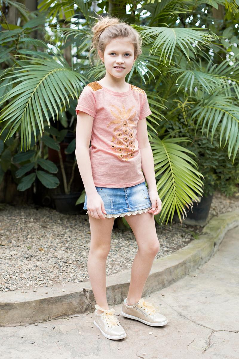Футболка для девочки Luminoso, цвет: персиковый. 718077. Размер 146718077Стильная футболка из трикотажной ткани с коротким рукавом. Декорирована яркой аппликацией и пайетками.