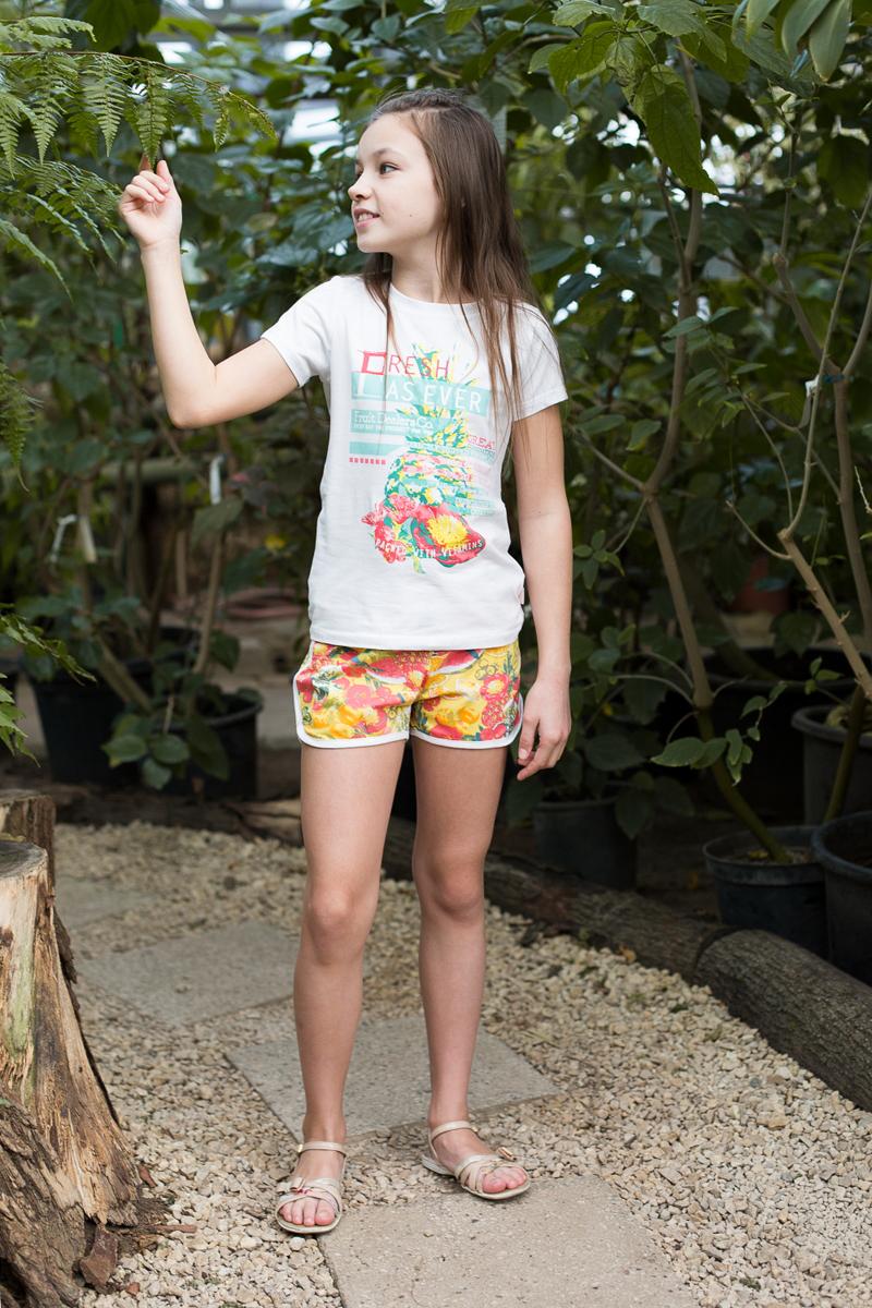 Шорты для девочки Luminoso, цвет: желтый, красный. 718084. Размер 140718084Мягкие трикотажные шорты из принтованной ткани для девочки. Пояс-резинка дополнен шнуром для регулирования объема.