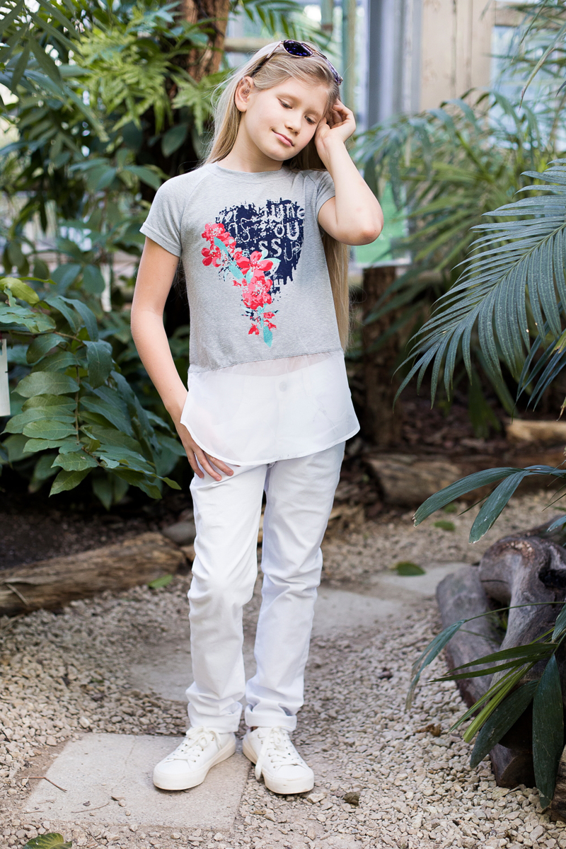 Футболка для девочки Luminoso, цвет: серый меланж. 718097. Размер 140718097Стильная футболка из трикотажной ткани с рукавом-реглан. Декорирована ярким принтом, шифоном по низу изделия.