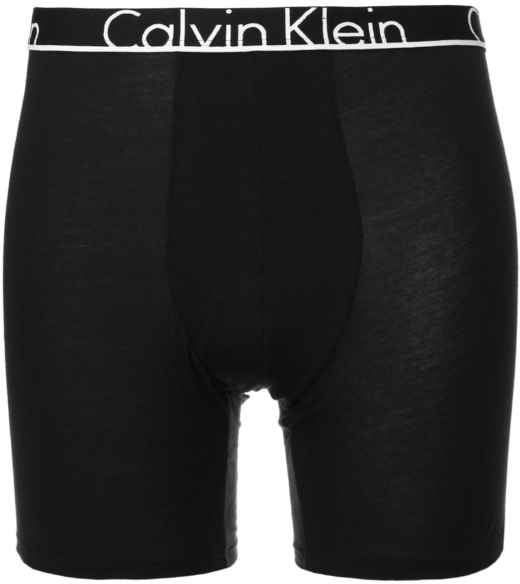 Трусы-боксеры мужские Calvin Klein Underwear, цвет: черный. NU8640A. Размер S (46)NU8640AУдобные трусы-боксеры Calvin Klein Underwear из серии Boxer Brief выполнены из хлопка с добавлением эластана. Удобная посадка, плоские швы и резинка на талии обеспечат наибольший комфорт. Резинка оформлена названием бренда. Модель создана для тех, кто предпочитает комфорт, практичность и современный дизайн.