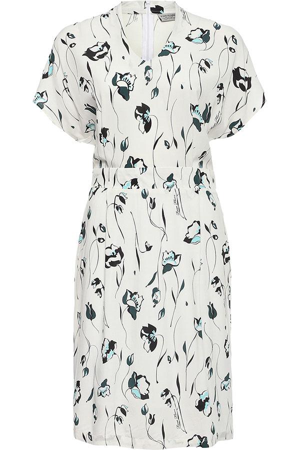 Платье Finn Flare, цвет: белый. S17-11006_201. Размер L (48)S17-11006_201Платье Finn Flare выполнено из вискозы. Модель с короткими рукавами и V-образным вырезом горловины.