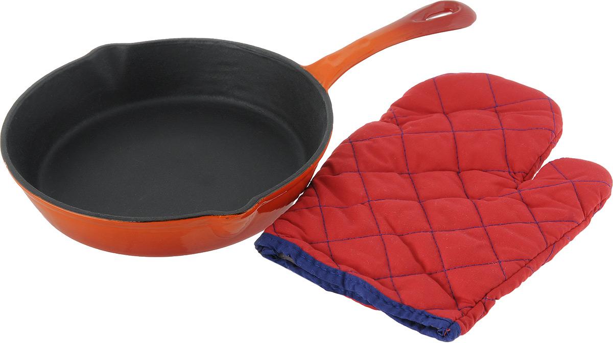 Сковорода Vitesse Ally, цвет: оранжевый. Диаметр 24 см + ПОДАРОК: Кухонная рукавица, 1 штVS-1579Сковорода Vitesse Ally изготовлена из чугуна с эмалированной внутренней и внешней поверхностью. Эмалированный чугун - это железо, на которое наложено прочное стекловидное эмалевое покрытие. Такая посуда отлично подходит для приготовления традиционной здоровой пищи. Чугун является наилучшим материалом, который долго удерживает и равномерно распределяет тепло. Благодаря особым качествам эмали, чем дольше вы используете посуду, тем лучше становятся ее эксплуатационные характеристики. Чугун обладает высокой прочностью, износоустойчивостью и антикоррозийными свойствами. Сковорода оснащена цельнолитой чугунной ручкой. По бокам изделие имеет носики для слива жидкости.В подарок: - кухонная рукавица.Можно готовить на газовых, электрических, стеклокерамических, галогенных, индукционных плитах. Подходит для мытья в посудомоечной машине и использования в духовом шкафу. Характеристики: Материал: чугун. Цвет: оранжевый, бежевый. Диаметр сковороды: 24 см. Высота стенки: 4,5 см. Толщина стенки: 3 мм. Толщина дна: 5 мм.