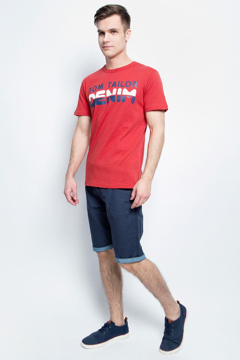 Футболка мужская Tom Tailor Denim, цвет: красный. 1037252.04.12_4491. Размер L (50)1037252.04.12_4491Мужская футболка Tom Tailor Denim выполнена из натурального хлопка. Модель с круглым вырезом горловины и короткими рукавами оформлена крупной термоаппликацией в виде надписи.Такая футболка станет стильным дополнением к вашему гардеробу, она подарит вам комфорт в течение всего дня!