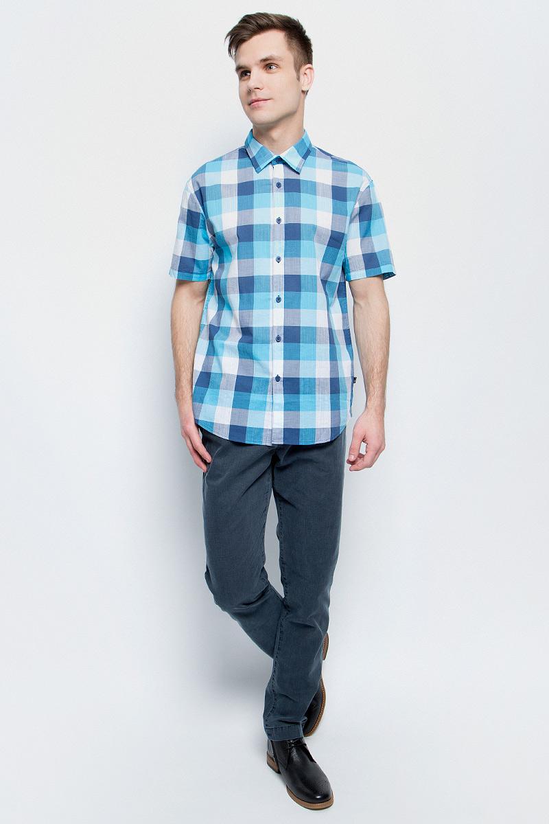 Рубашка мужская Finn Flare, цвет: темно-синий. S17-24012_101. Размер S (46)S17-24012_101Рубашка мужская Finn Flare выполнена из натурального хлопка. Модель с отложным воротником и короткими рукавами застегивается на пуговицы.