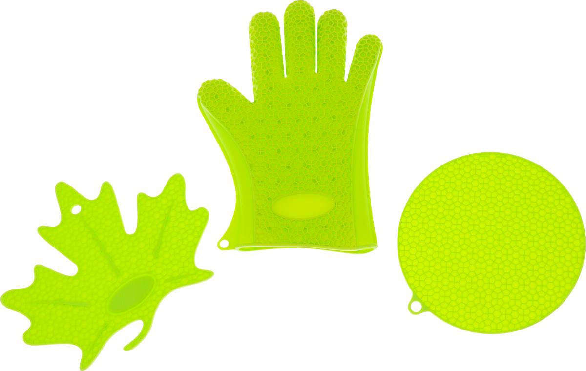 Набор кухонных аксессуаров Oursson Bon Appetit: 2 подставки под горячее, прихватка-рукавица, цвет: зеленое яблокоSA2803S/GAНабор кухонных аксессуаров Oursson Bon Appetit, изготовленный из силикона, состоит из двух подставок под горячее и прихватки-перчатки. Изделия очень приятны на ощупь, невероятно гибкие, выдерживают большой перепад температур от -20°C до +220°С. Аксессуары снабжены отверстиями для подвешивания.Прихватка-перчатка удобно и прочно сидит на руке. С помощью такой прихватки ваши руки будут защищены от ожогов, когда вы будете ставить в печь или доставать из нее выпечку.Подставки под горячее выполнены в виде круга и кленового листочка. Материал позволяет выдерживать высокие температуры и не скользит по поверхности стола. Каждая хозяйка знает, что подставка под горячее - это незаменимый и очень полезный аксессуар на каждой кухне. Ваш стол будет не только украшен яркой и оригинальной подставкой, но и сбережен от воздействия высоких температур.Размер круглой подставки: 18 х 18 см.Размер подставки в виде кленового листочка: 21 х 19 см.Размеры перчатки: 26,5 х 19 см.