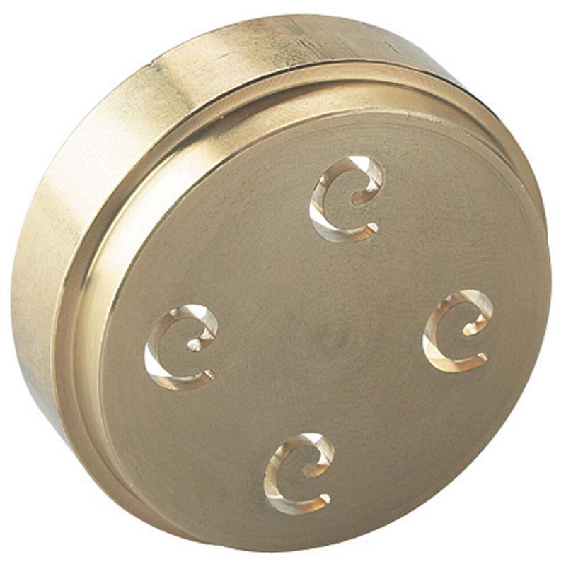 Kenwood АТ910008 насадка-диск для силателлеАТ910008Насадка-диск Kenwood АТ910008 создана для того, чтобы вы в домашних условиях смогли приготовить настоящие итальянские макароны - силателле. Диск на лицевой стороне имеет четыре отверстия в форме спирали. Произведен из высококачественной стали и покрыт бронзой, что не дает пасте прилипать к устройству. Силателли – это длинные и широкие изогнутые макаронные изделия. Раз приготовив их, вы почувствуете всю разницу между домашней пищей и покупной из магазинов. Приправьте блюдо чесночным соусом или сыром и насладитесь все полнотой вкуса.