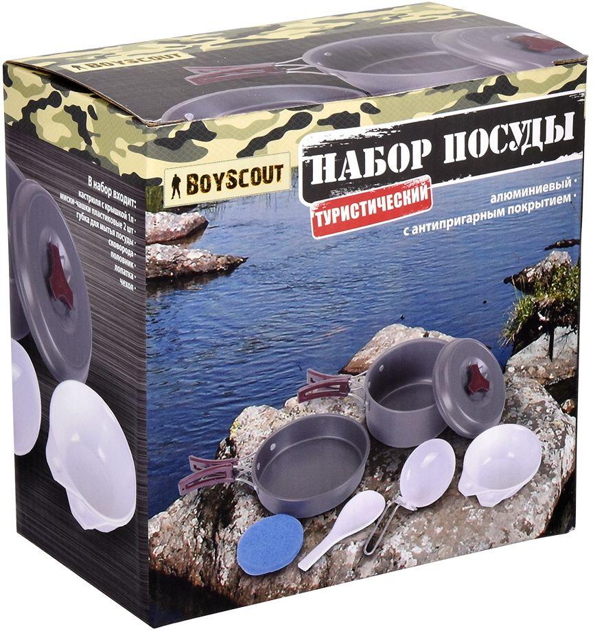 Набор посуды Boyscout Туристический, на 1-2 персоны61166Набор посуды Boyscout будет незаменим в походе. Включает в себя весь необходимый инвентарь для приготовления любимых блюд. Компактно складывается, экономя место в рюкзаке. В набор входят: - кастрюля с крышкой; - 2 пластиковые тарелки; - пластиковый половник; - пластиковая лопатка; - сковорода; - губка для мытья посуды. Материалом изготовления кастрюль и сковородки служит алюминий с анодированным покрытием, который обладает высокой теплопроводностью, что обеспечивает равномерное нагревание и быстрое приготовление пищи. Складывающиеся ручки изделий выполнены из металла и пластика, очень эргономичны. Набор рассчитан на 1-2 персоны.