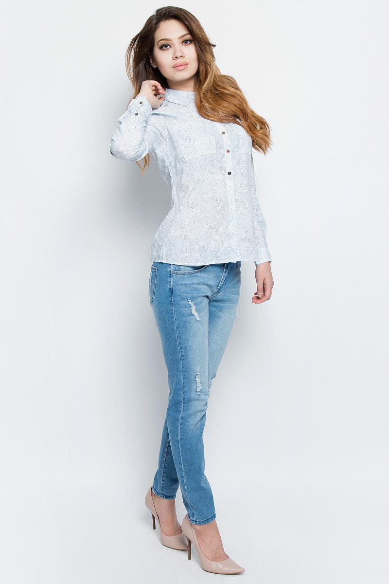Рубашка женская Sela, цвет: ривьера. B-112/321-7162. Размер 46B-112/321-7162Стильная женская рубашка Sela выполнена из хлопка и оформлена оригинальным принтом. Модель прямого кроя с отложным воротничком застегивается на пуговицы, наполовину скрытые планкой, и дополнена двумя накладными карманами. Манжеты длинных рукавов также дополнены пуговицами. Рубашка подойдет для прогулок и дружеских встреч и будет отлично сочетаться с джинсами и брюками, и гармонично смотреться с юбками. Мягкая ткань комфортна и приятна на ощупь. Рукава можно подвернуть и зафиксировать при помощи хлястиков на пуговицах.