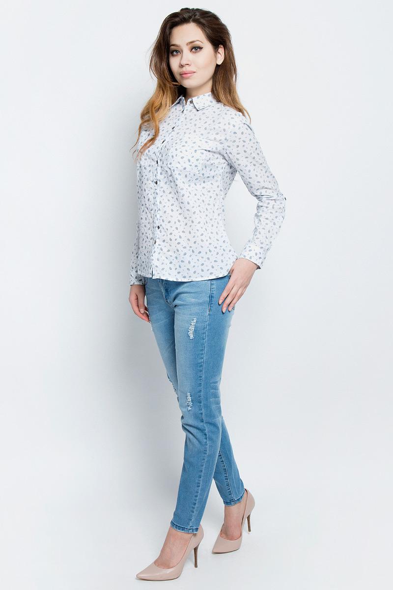 Рубашка женская Sela, цвет: молочный. B-112/321-7162. Размер 46B-112/321-7162Стильная женская рубашка Sela выполнена из хлопка и оформлена оригинальным принтом. Модель прямого кроя с отложным воротничком застегивается на пуговицы, наполовину скрытые планкой, и дополнена двумя накладными карманами. Манжеты длинных рукавов также дополнены пуговицами. Рубашка подойдет для прогулок и дружеских встреч и будет отлично сочетаться с джинсами и брюками, и гармонично смотреться с юбками. Мягкая ткань комфортна и приятна на ощупь. Рукава можно подвернуть и зафиксировать при помощи хлястиков на пуговицах.