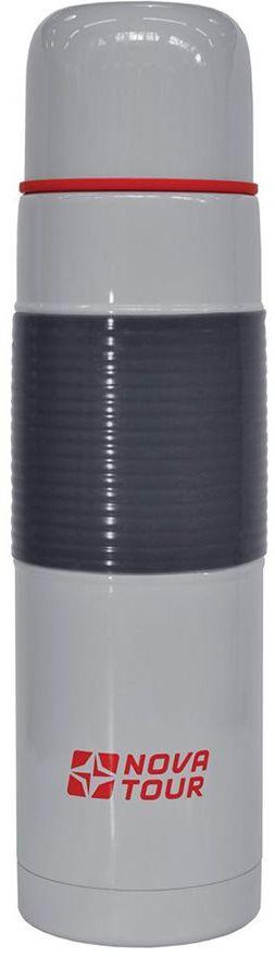 """Современный и функциональный термос Nova Tour """"Твист"""" выполнен из пищевой нержавеющей стали. Термос оснащен кнопочным клапаном Stopper (достаточно нажать на пробку, чтобы налить содержимое из термоса), который дает возможность при наливании не открывать изделие целиком для меньшего охлаждения содержимого. Прорезиненная накладка на корпусе препятствует выскальзыванию термоса из рук."""