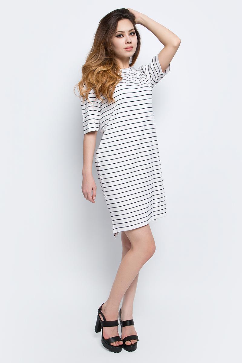 Платье Baon, цвет: белый, темно-синий. B457030_Milk-Dark Navy Striped. Размер L (48)B457030_Milk-Dark Navy StripedПлатье Baon в морскую полоску, выполненное из плотного трикотажа. Изделие имеет прямой крой и актуальную разноуровневую длину. На спине находится застёжка на пуговицы.