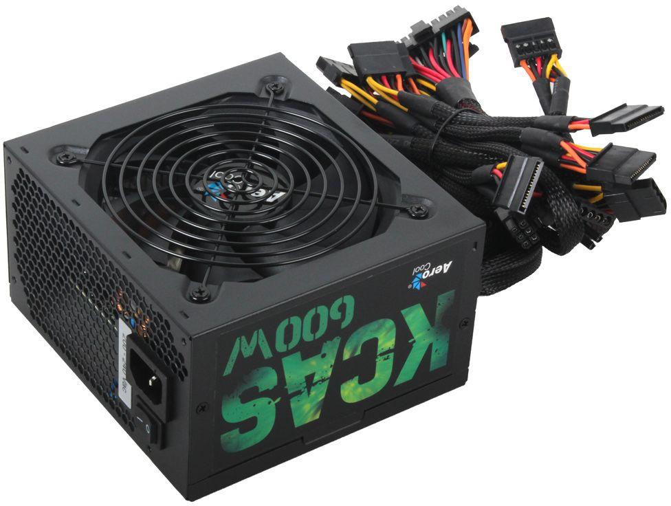 Aerocool KCAS-600W блок питания для компьютера4713105953299Aerocool KCAS-600W - самый эффективный, надёжный и недорогой блок питания с низким уровнем шумов и помех. Имеет сертификат эффективности 80Plus Bronze. Кабели 20+4 pin и 4+4 pin (для процессора) длиной до 600 мм обеспечивают удобство подключения компонентов в любой части. Также имеет 2 коннекта PCIe 6+2 pin для видеокарты среднего уровня и 7 коннекторов SATA для подключения нескольких жёстких дисков. Сетчатая оплётка на кабелях не мешает циркуляции воздуха в корпусе и упрощает их размещение.Оснащен бесшумным и мощным 12-см вентилятором с умной системой управления скоростью. Теперь при обычной нагрузке вентилятор работает на малых оборотах и практически не шумит.Блок питания Aerocool KCAS-600W полностью защищён от перегрузки по мощности и по напряжению, от низкого напряжения, от короткого замыкания в сети и от перегрева.