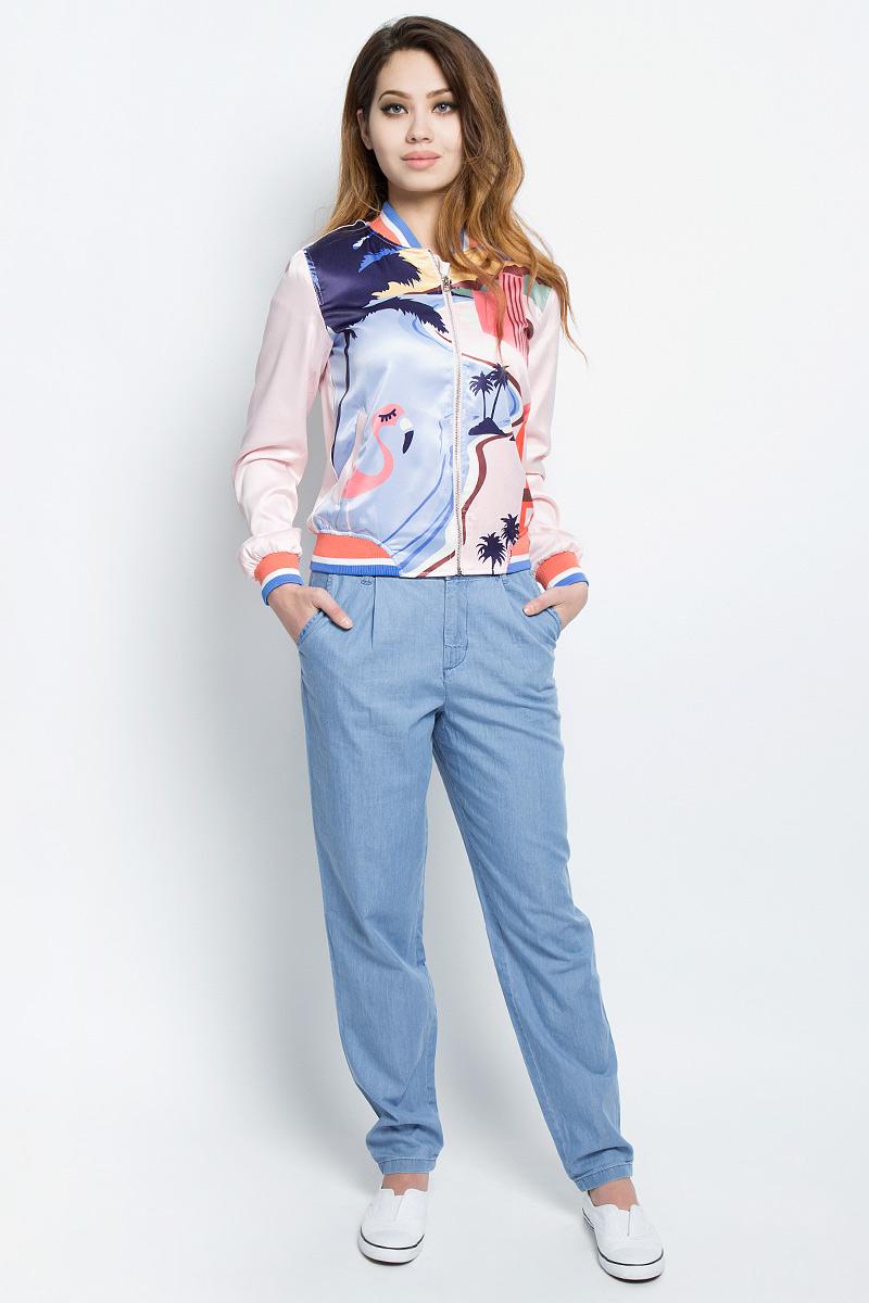 Куртка женская Tom Tailor, цвет: розовый, голубой, оранжевый. 3533301.62.71_4753. Размер L (48)3533301.62.71_4753Женская легкая куртка Tom Tailor изготовлена из качественной смесовой ткани. Модель с длинными рукавами и воротником-стойкой застегивается спереди на молнию и дополнена двумя карманами. Манжеты рукавов, низ куртки и воротник отделаны эластичными резинками.