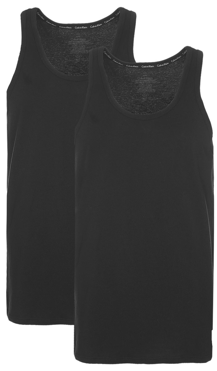 Майка мужская Calvin Klein Underwear, цвет: черный, 2 шт. NU8703A. Размер L (50)NU8703AМужская майка Calvin Klein Underwear изготовлена из натурального хлопка с добавлением эластана. Модель выполнена глубокой круглой горловиной и без рукавов. Майка дополнена квадратной нашивкой с названием бренда.