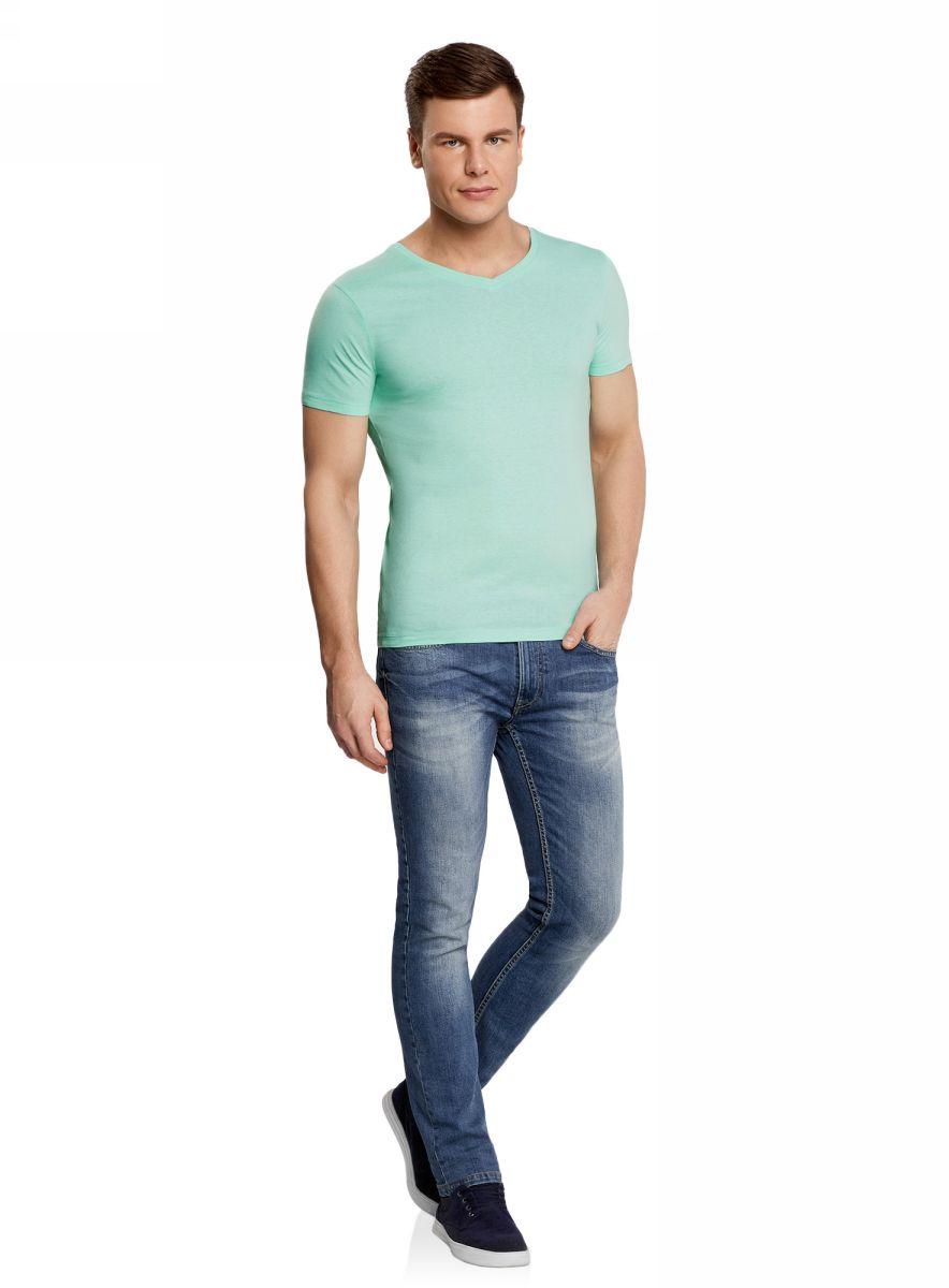Футболка мужская oodji Basic, цвет: светло-зеленый. 5B612001M/44135N/6000N. Размер M (50)5B612001M/44135N/6000NБазовая футболка с V-образным вырезом горловины и короткими рукавами выполнена из натурального хлопка.