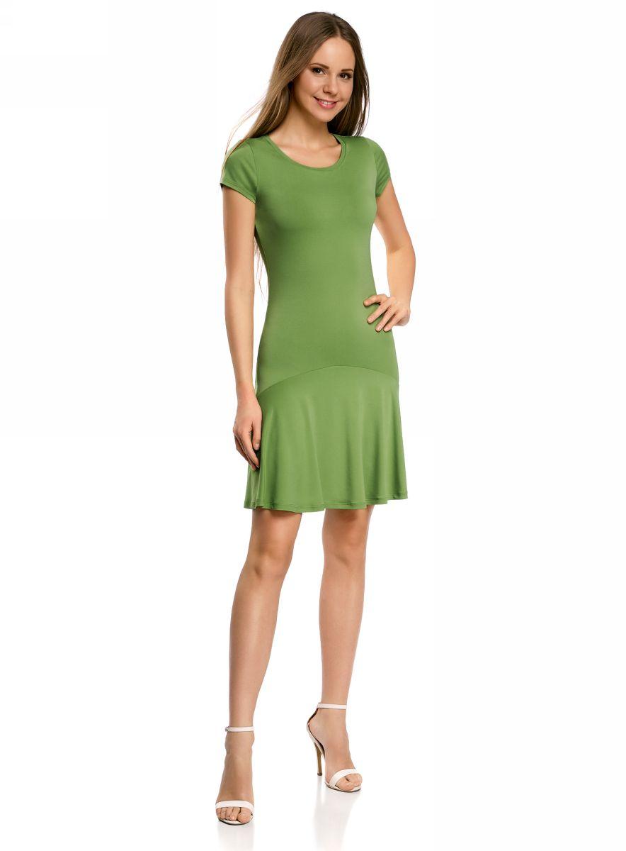 Платье oodji Ultra, цвет: зеленый. 14011017/46384/6200N. Размер S (44)14011017/46384/6200NПриталенное платье oodji Ultra с юбкой-воланами выполнено из качественного трикотажа. Модель средней длины с круглым вырезом горловины и короткими рукавами выгодно подчеркнет достоинства фигуры.