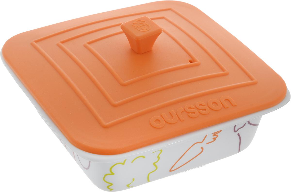 """Форма для запекания пищи Oursson """"Овощи"""", изготовленная из керамики с силиконовой крышкой, идеально подойдет для приготовления мяса, рыбы, овощей и десертов без добавления масла.ё  Такую форму можно использовать в духовке, микроволновой печи и холодильнике, мыть в посудомоечной машине. Температура использования силиконовой крышки может доходить до 220°С, а формы до 250°С  Силиконовая крышка дополнена небольшим вентиляционным отверстием. Можно использовать в посудомоечной машине. Яркая и красивая, она украсит любой стол и выгодно подчеркнет достоинства ваших блюд.  Объем: 0,66 л. Размер формы (без учета крышки): 18 х 17,5 х 6,5 см. Размер крышки: 17,5 х 17,5 см."""
