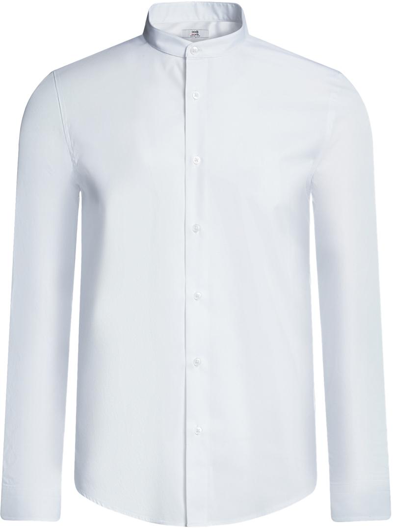Рубашка мужская oodji Basic, цвет: белый. 3B140004M/34146N/1000N. Размер 41-182 (50-182)3B140004M/34146N/1000NБазовая рубашка oodji Basic с длинным рукавом. Классический воротничок с острыми углами, манжеты с пуговицами, застежка на пуговицы спереди по всей длине. У рубашки слега приталенный силуэт, ее можно носить заправленной или навыпуск. Оптимальное соотношение хлопка и синтетики: не мнется, прекрасно держит форму и дает коже возможность дышать. В такой рубашке комфортно в течение всего дня. Элегантная рубашка станет основой для делового гардероба. Она хорошо сочетается с прямыми и зауженными брюками. Для создания строгого образа рубашку можно дополнить классическим или спортивным пиджаком, или же в качестве второго слоя выбрать трикотажный кардиган. С этой рубашкой вы можете создать разные деловые луки. Они всегда будут отвечать строгому дресс-коду. Из обуви предпочтение рекомендуется отдавать классическим моделям туфель.