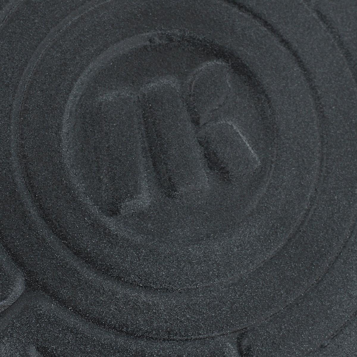 """Сотейник """"Ломоносовская керамика"""" выполнен из жаропрочной керамики. Внутренняя  поверхность выполнена под мрамор.  Пища, приготовленная в таком сотейнике, не пригорает, сохраняет свой истинный аромат, вкус,  витамины и долго остается горячей. Изделие идеально подходит для приготовления блюд,  требующих долгого томления на огне. Приготовленное блюдо можно не перекладывать, а сразу  подавать на стол.  Сотейник оснащен удобными ручками. В комплект входит крышка из жаропрочного стекла.  Крышка оснащена удобной пластиковой ручкой, металлическим ободом и имеет отверстие для  выпуска пара.  Подходит для использования на всех типах плит, включая индукционные плиты и галогеновые  конфорки. Можно использовать в духовке, микроволновой печи и мыть в посудомоечной машине.  Высота стенок: 8 см.  Ширина сотейника (с учетом ручек): 29 см."""