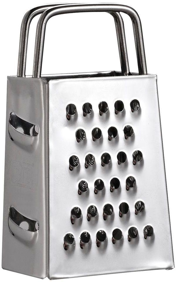Терка Gipfel Minimi, четырехсторонняя, высота 7,62 см9842Терка Gipfel Minimi - это маленькая терка, изготовленная из высококачественной нержавеющей стали. Такая терка может пригодиться для измельчения мелких продуктов или же может использоваться в качестве элемента декора.Особенности: Количество граней – 4 Высота – 7,6 см Простота и удобство в использовании Допускается мытьё в посудомоечной машине