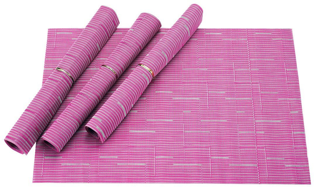 Набор салфеток для сервировки Gipfel Eden, цвет: розовый, 45 х 30 см, 4 шт9965Набор Gipfel Eden включает 4 салфетки для сервировки стола. Изделия выполнены из ПВХ и полиэстера. Это практичный материал, который не впитывает жир, запахи, а также легко моется под проточной водой. Салфетки приятно удивят вас своей прочностью, они могут годами оставаться все такими же яркими, крепкими и стильными. Эти салфетки гораздо надежнее обычной скатерти из текстиля. На них не остается следов от горячего, их легко мыть, а при необходимости вы всегда можете скрутить такую салфетку в компактный сверток и убрать в укромное место для хранения. Салфетки Gipfel Eden не только защитят поверхность стола, но и также помогут создать теплую и уютную атмосферу на кухне.