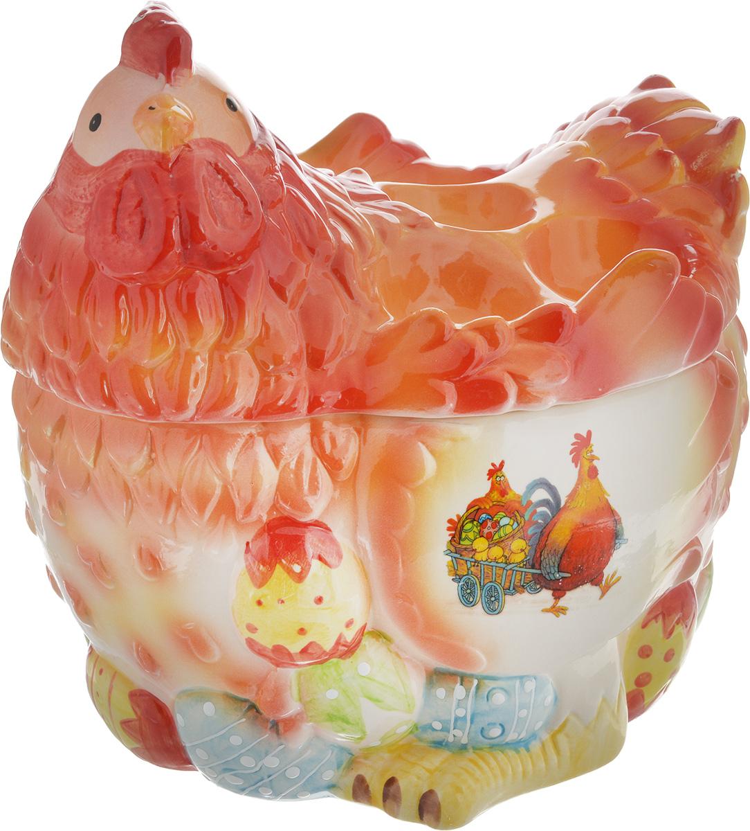 Ваза Win Max Курочка, для пасхальных яиц и угощений, 24 х 26 х 20 см14023Ваза Win Max изготовлена из высококачественной керамики с глазурованным покрытием и оформлена рельефным рисунком. Изделие дополнено крышкой, которая выполнена в виде фигурки курочки. На крышке расположено 5 подставок для яиц. Оригинальный дизайн украсит интерьер вашей кухни, а функциональность порадует любую хозяйку. Размеры емкости (без учета крышки): 24 х 20 х 13 смВысота крышки: 13 см
