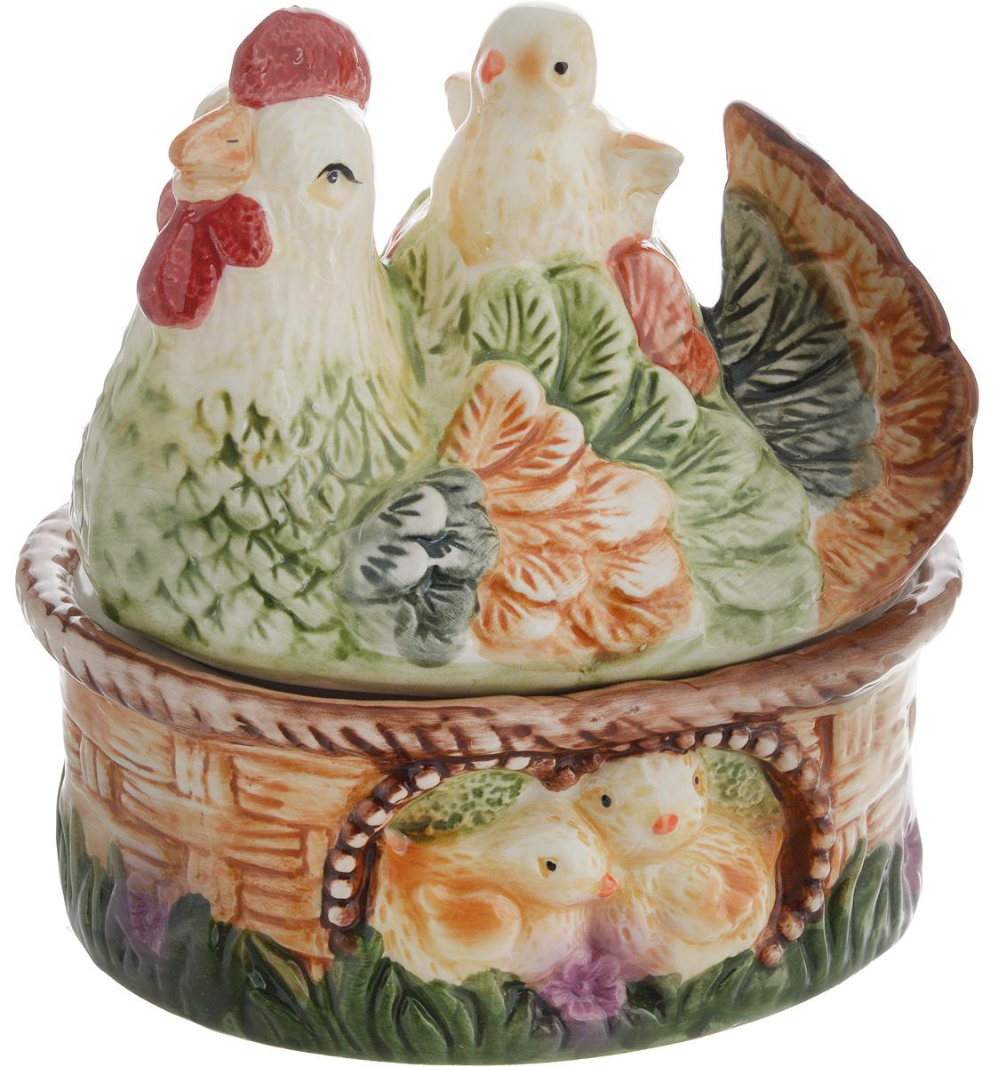 Емкость для сыпучих продуктов Win Max Курочка, 15 х 13 х 15 см14044Емкость для сыпучих продуктов Win Max изготовлена из высококачественной керамики и оформлена рельефным рисунком. Изделие дополнено крышкой, которая выполнена в виде фигурки курицы с цыпленком.Оригинальный дизайн украсит интерьер вашей кухни, а функциональность порадует любую хозяйку. Размеры емкости (без учета крышки): 15 х 12 х 6 смВысота крышки: 10,5 см