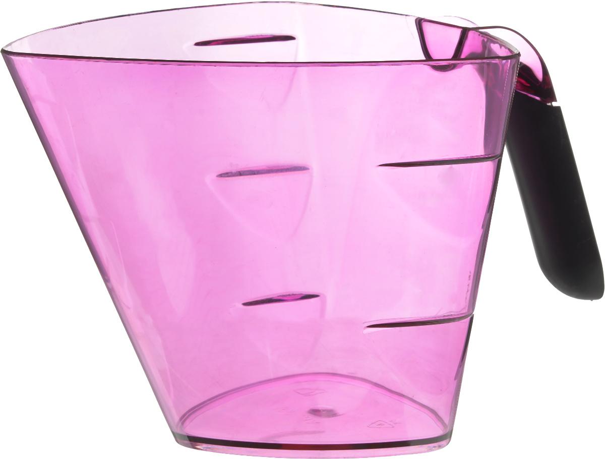 """Мерный прозрачный стакан Giaretti """"Cristallo"""" выполнен из высококачественного пластика. Стакан оснащен удобной ручкой  с противоскользящей вставкой и носиком, которые делают изделие еще более простым в использовании. Мерная шкала внутри стакана, позволяет измерить жидкости до 1 л. Удобная форма стакана позволяет как отмерить необходимое количество продукта, так и взбить/замесить его непосредственно в прямо в этой же емкости.  Такой стаканчик пригодится каждой хозяйке на кухне, ведь зачастую приготовление некоторых блюд требует известной точности. Объем: 1 л. Размер: 14,5 х 15 х 13 см. Длина ручки: 9,5 см.  Толщина стенок: 2 мм."""