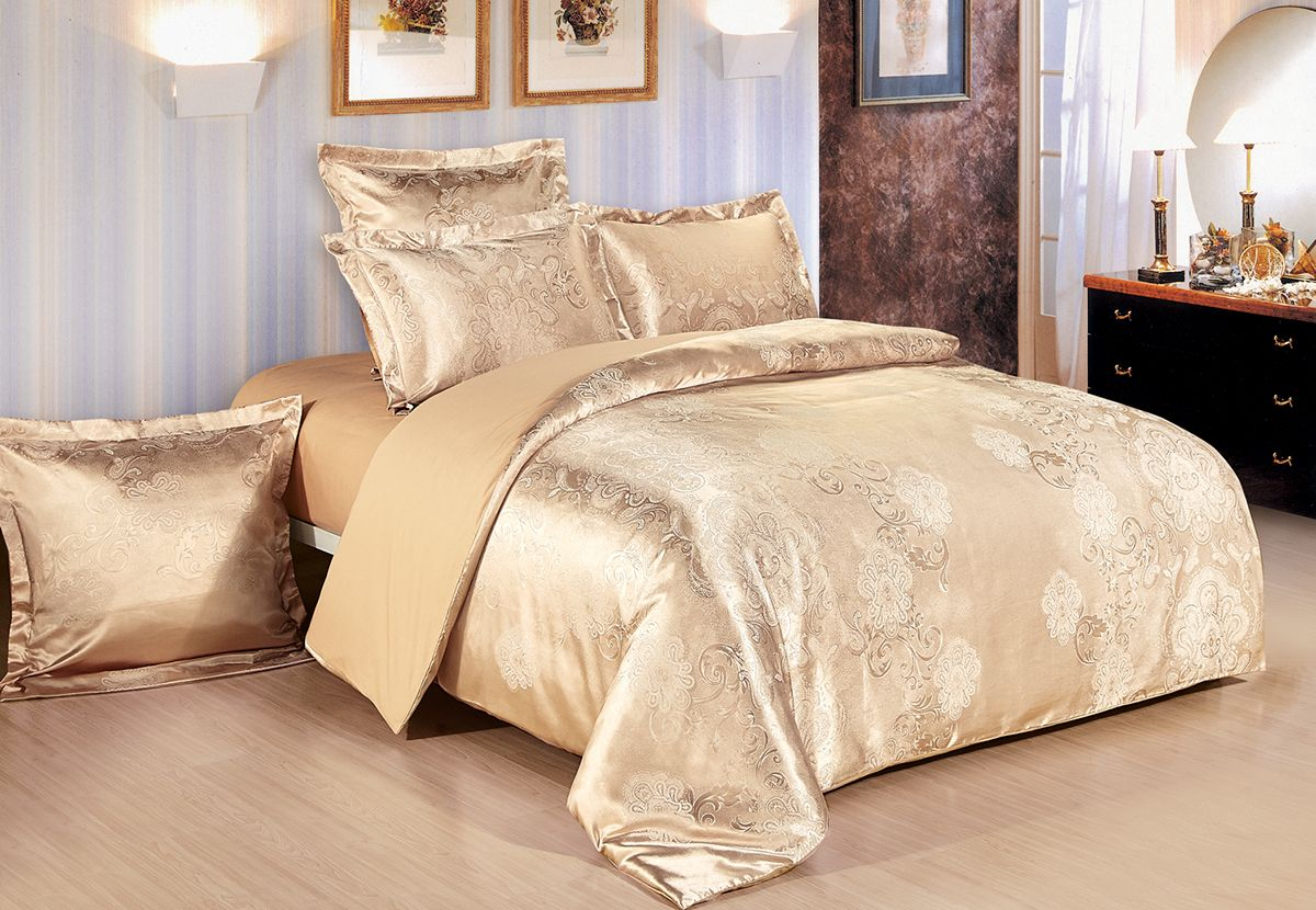 Комплект белья Versailles Джули, 2-спальный, наволочки 70x70, цвет: золотой86671Комплект постельного белья Versailles изготовлен из сатина, сотканного из хлопка с добавлением вискозных волокон. Белье дарит приятные тактильные ощущения на протяжении всего сна, а уникальные жаккардовые узоры придают танки мягкий блеск и обеспечивают материалу особую прочность. Постельное белье Versailles - отличный подарок на любое торжество и идеальный выбор для взыскательных покупателей. Комплект состоит из пододеяльника, простыни и двух наволочек. Состав: хлопок 70%, вискоза 30%