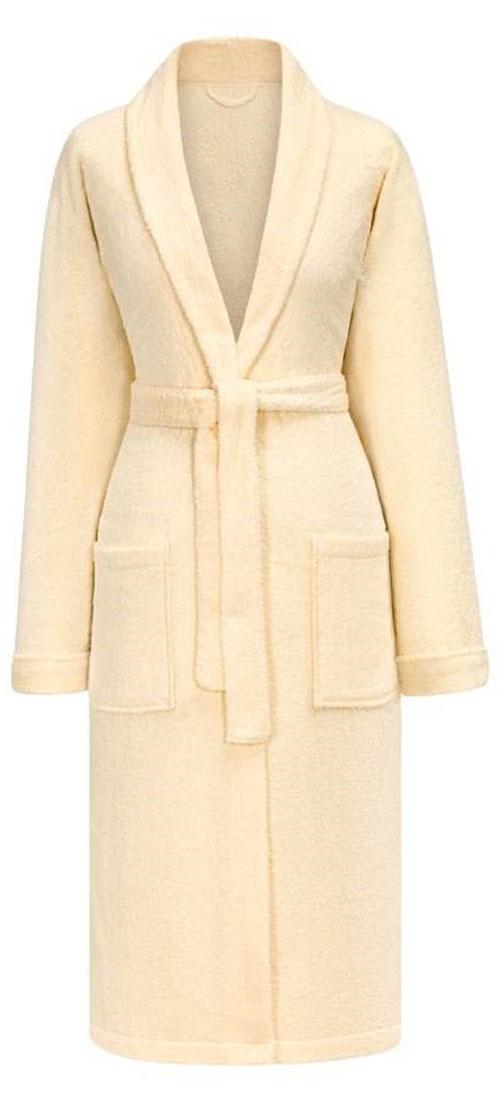 Халат женский Estia Мария, цвет: экрю. Размер S (44)МарияТеплый женский махровый халат Estia изготовлен из высококачественного хлопка. Модель длины миди выполнена с поясом и запахом. Изделие удобными карманами.