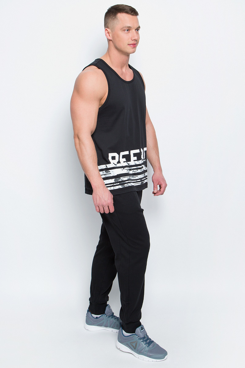 Брюки спортивные мужские Reebok Wor C Graphic Trackpant, цвет: черный. BK4732. Размер XL (56/58) весенние куртки reebok мужские