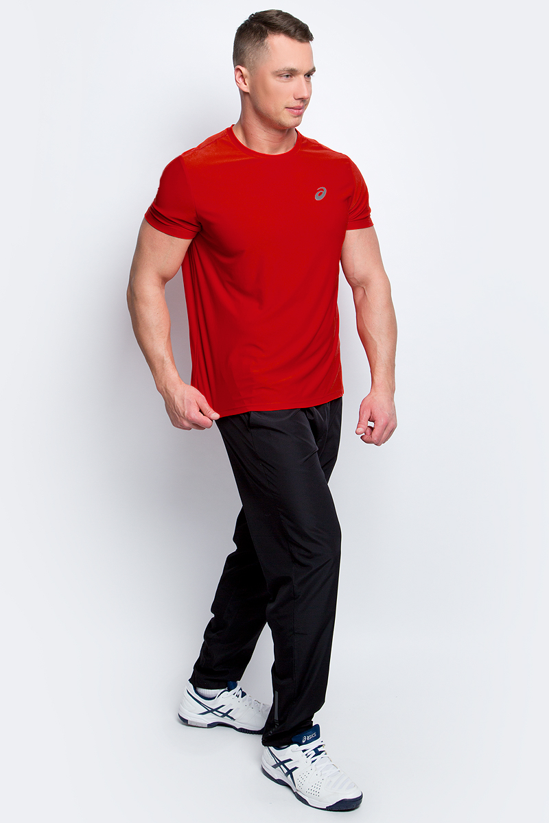 Футболка для бега мужская Asics SS Top, цвет: красный. 134084-0626. Размер XXL (54/56)134084-0626Стильная мужская футболка для бега Asics SS Top, выполненная из высококачественного полиэстера, обладает высокой воздухопроницаемостью и превосходно отводит влагу от тела, оставляя кожу сухой даже во время интенсивных тренировок. Такая футболка великолепно подойдет как для повседневной носки, так и для спортивных занятий.Модель с короткими рукавами и круглым вырезом горловины - идеальный вариант для создания модного современного образа. Футболка оформлена светоотражающим логотипом на груди и контрастной полоской на спинке. Такая футболка идеально подойдет для занятий спортом и бега. В ней вы всегда будете чувствовать себя уверенно и комфортно.
