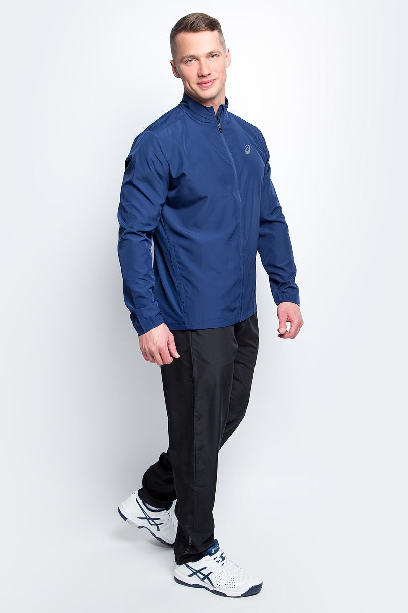 Ветровка для бега мужская Asics Jacket, цвет: темно-синий. 134091-8052. Размер M (48/50)134091-8052Стильная мужская ветровка для бега Asics Jacket с воротником-стойкой застегивается назастежку-молнию, дополненную защитой подбородка. Изделие защитит вас от ветра и поможетсконцентрироваться на тренировке. На спинке эластичная ткань обеспечивает свободу движений во время тренировки ипревосходную терморегуляцию и воздухообмен. По бокам распложены прорезные карманы назастежках-молниях. Светоотражающие элементы не оставят вас незамеченными в темное времясуток.В этой ветровке вы будете чувствовать себя уверенно и комфортно.