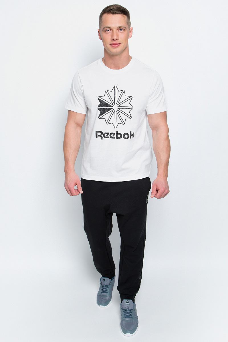 Футболка мужская Reebok F Large Starcrest P, цвет: белый. BK4177. Размер S (44/46)BK4177Мужская футболка Reebok F Large Starcrest P изготовлена из натурального хлопка. Модель с круглым воротником и короткими рукавами. Однотонная футболка спереди декорирована принтом с оригинальным рисунком и названием бренда.