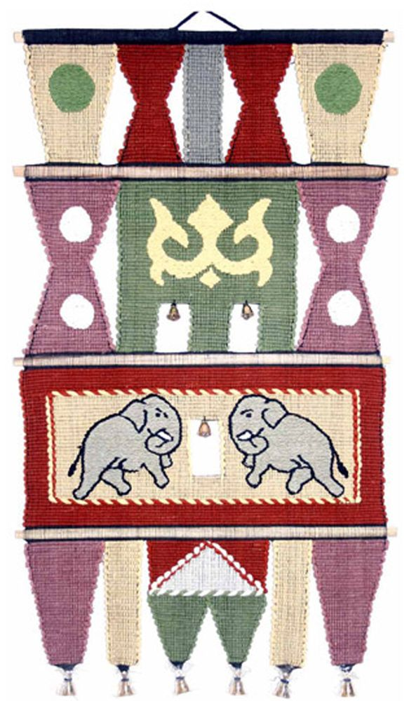 Коврик декоративный India Cotton, 45 х 75 см. 409AL409ALКоврик декоративный ручной работы.Произведен в деревнях Индии, с вековыми традициями в изготовлении хлопковых изделий.Служит идеальным украшением Вашего интерьера, отличный подарок по любому случаю. Этнический оберег, колокольчиками отгоняющий зло и привлекающий блага.Изделия ручной работы могут немного отличаться от товара, представленного на фото, например, цветовыми нюансами, отделкой.Внимание: коврик не подлежит стирке!