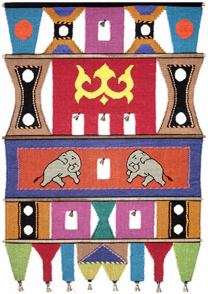 Коврик декоративный India Cotton, 47 х 74 см. 409B409BКоврик декоративный ручной работы.Произведен в деревнях Индии, с вековыми традициями в изготовлении хлопковых изделий.Служит идеальным украшением Вашего интерьера, отличный подарок по любому случаю. Этнический оберег, колокольчиками отгоняющий зло и привлекающий блага.Изделия ручной работы могут немного отличаться от товара, представленного на фото, например, цветовыми нюансами, отделкой.Внимание: коврик не подлежит стирке!