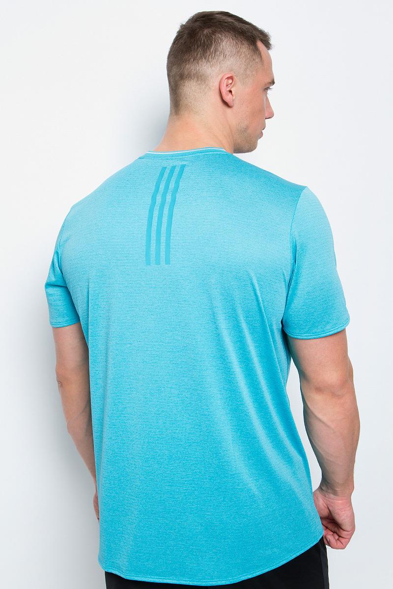 Мужская спортивная футболка Adidas Sn Ss Tee M изготовлена из полиэстера с добавлением полиэфира по технологии climalite, что обеспечивает быстрое влагоотведение с поверхности тела. Модель с круглой горловиной и короткими рукавами. Однотонная футболка декорирована принтом с логотипом бренда и светоотражающими полосами на спинке.