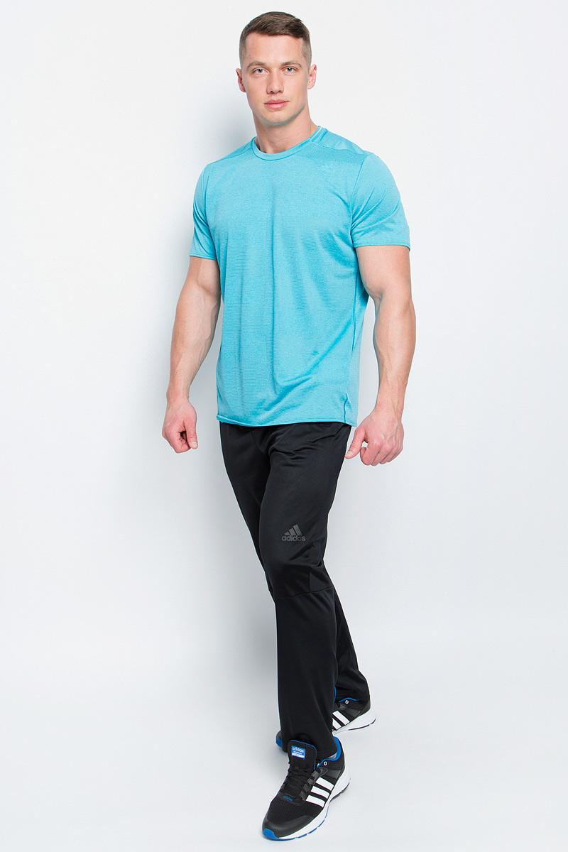Футболка для бега мужская adidas Sn Ss Tee M, цвет: бирюзовый. S97947. Размер S (44/46)S97947Мужская спортивная футболка Adidas Sn Ss Tee M изготовлена из полиэстера с добавлением полиэфира по технологии climalite, что обеспечивает быстрое влагоотведение с поверхности тела. Модель с круглой горловиной и короткими рукавами. Однотонная футболка декорирована принтом с логотипом бренда и светоотражающими полосами на спинке.