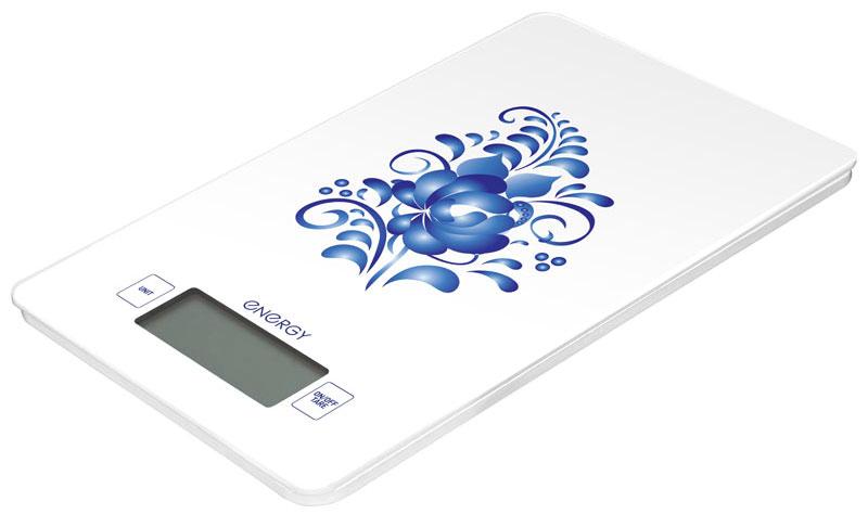 Energy EN-423 Гжель кухонные весы54 159257Кухонные электронные весы Energy EN-423 - незаменимый помощник современной хозяйки. Они помогут точно взвесить любые продукты и ингредиенты. Кроме того, позволят людям, соблюдающим диету, контролировать количество съедаемой пищи и размеры порций. Предназначены для взвешивания продуктов с точностью измерения 1 грамм.Размер платформы: 13,3 см х 20,8 смРазмер дисплея: 5,8 см х 2,2 см