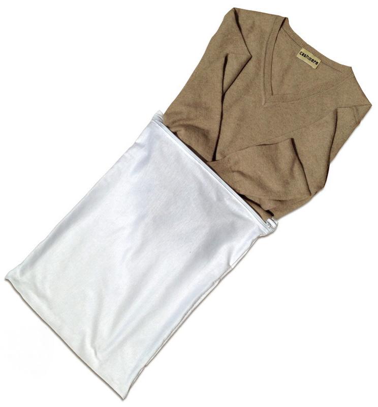 Мешок Marbet для стирки изделий из шерсти, 38 х 40 см31Мешок для стирки изделий из шерсти Marbet выполнен из нейлона. Он защищает шерстяные изделия от воздействия барабана стиральной машины. То, что раньше стиралось вручную, теперь можно смело доверить стиральной машине!