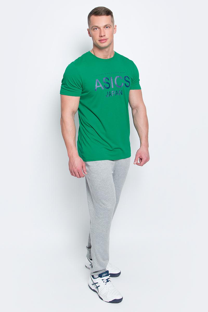 Футболка мужcкая Asics Logo Top, цвет: зеленый. 141100-5007. Размер S (46/48)141100-5007Мужская футболка Asics выполнена из полиэстера с добавлением вискозы и эластана.У модели классический круглый ворот и короткие стандартные рукава. Спереди изделие оформлено принтом с надписями, на спинке - логотипом бренда. Технология Motion Dry позволяет выводить влагу, оставляя тело сухим и сохраняя его оптимальный температурный режим.