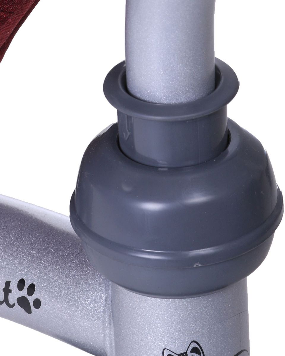 Трёхколёсный велосипед Micio Comfort будет расти вместе с ребёнком. Комфорт пассажиру обеспечивает сиденье с широкой спинкой с возможностью наклона до положения полулёжа, а защиту - раздвижная дуга и трёхточечный ремень безопасности. Складной тент колясочного типа оградит малыша от солнца и дождя. Обратите внимание на правильную установку вилки и руля! Наклон вилки должен быть направлен к задним колёсам. При некорректной сборке управление велосипедом ухудшается. Особенности: функция свободного хода переднего колеса; функция свободного руля; сиденье с широкой спинкой; два положения установки сидения; плавная регулировка спинки до положения полулёжа; стояночный тормоз; складная подножка; дополнительная подставка для ног; складной тент колясочного типа; регулируемая ручка-толкатель колясочного типа; управление колесом механически не связано с ручкой и осуществляется по аналогии с продуктовой тележкой; раздвижная дуга безопасности с мягкими подлокотниками; мягкий вкладыш-кенгуру на сиденье; трёхточечный ремень безопасности; корзина; звонок. Размеры.  Длина от заднего колеса до переднего: 75 см. Расстояние между задними колёсами: 52 см. Расстояние от пола до ручки (диапазон): 88х104 см. Высота от руля до пола: 59 см. Высота от седла до пола: 33 см. Расстояние от середины седла до дальней педали: 37 см. Масса нетто: 11 кг. Максимальная нагрузка: 30 кг.