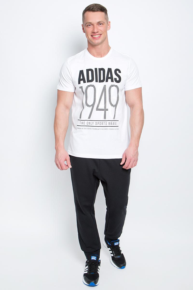 Футболка мужская adidas Adi 49, цвет: белый. BK2790. Размер L (52/54)BK2790Мужская футболка adidas Adi 49 выполнена из натурального хлопка. Модель с короткими рукавами и круглым вырезом горловины оформлена буквенным принтом контрастного цвета.