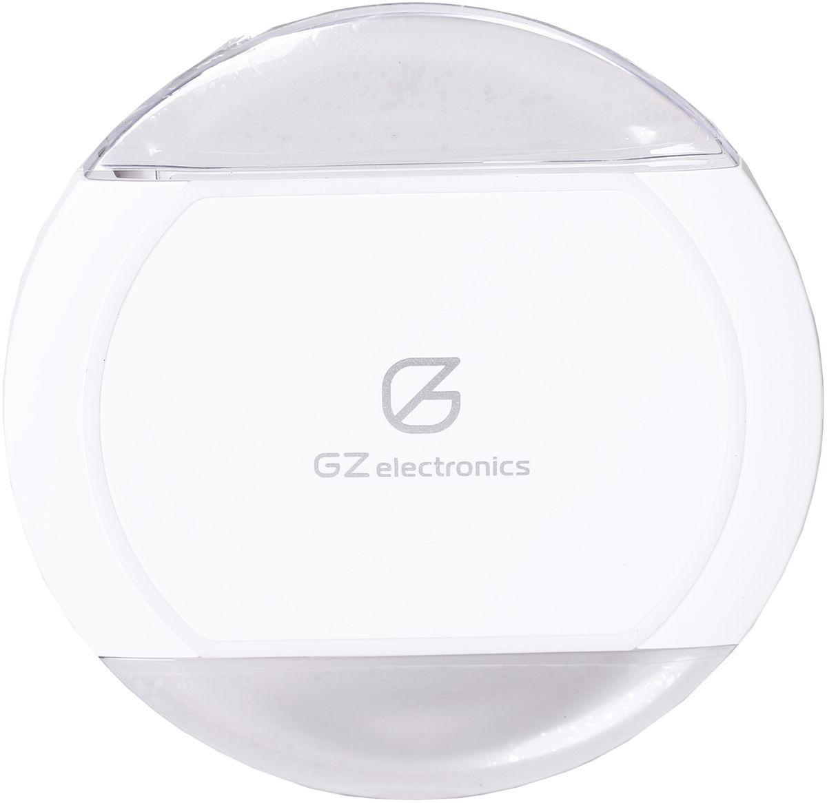 GZ electronics GZ-С1, White беспроводное зарядное устройствоGZ-C1(W)Беспроводное зарядное устройство стандарта QI, порт microUSB, расположение смартфонов в любом положении, световая индикация, защита от замыканий, перегрузок, напряжения и перегрева, автоматическое отключение при 100% зарядке, резиновые ножки для надежного сцеплния с настольной поверхностью, совместимо с любыми устройствами стандарта QI, входные напряжение и ток 5В 2А, выходные напряжение и ток 5 В, 2 А, в комплекте зарядное устройство, кабель microUSB, инструкция, гарантийный талон.