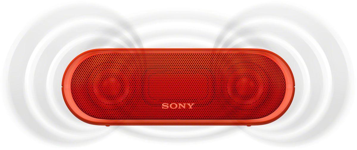 Sony SRS-XB20, Red портативная акустическая системаSRSXB20R.RU2Раскачайте вечеринку по полной, включив беспроводную акустическую систему SRS-XB20 с мощными басами и стильной подсветкой.Чтобы раскачать вечеринку, просто нажмите кнопку EXTRA BASS. Двойные пассивные излучатели в сочетании с полнодиапазонными стереодинамиками усиливают звучание низких частот, придавая им неожиданную глубину для такой компактной системы.Одноцветная линейная подсветка привлечет внимание гостей к стильному дизайну этой беспроводной акустической системы.Компактную беспроводную систему SRS-XB20 можно брать с собой куда угодно: она удобна в переноске, не боится воды и не разрядится до самого окончания вечеринки.Любимая музыка будет с вами всегда и везде, даже у бассейна или на берегу моря: благодаря защите IPX5 эта беспроводная акустическая система не боится воды.Слушайте музыку весь день напролет: эта система работает от аккумулятора до 12 часов, а когда понадобится подзарядка, система сама сообщит вам голосовым уведомлением.Устройте настоящую танцевальную вечеринку, объединив до 10 динамиков по Bluetooth в одну беспроводную систему с помощью функции Party Chain для одновременного воспроизведения музыки и настройки световых эффектов.Быстро и легко управляйте воспроизведением со смартфона через приложение Sony | Music Center (ранее называвшееся SongPal). Просто установите приложение и регулируйте звук, подсветку и прочие настройки.