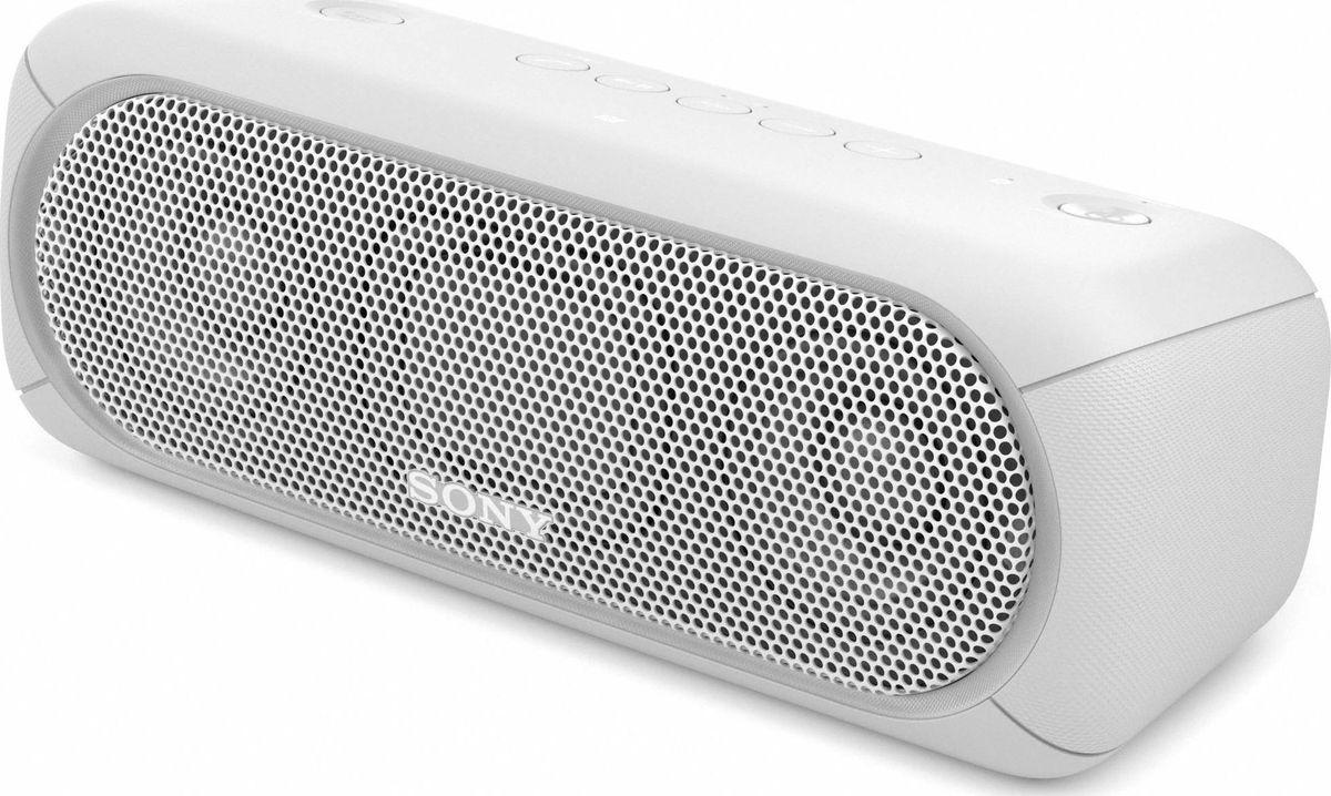 Sony SRS-XB30, White портативная акустическая системаSRSXB30W.RU4Если у вас есть беспроводная акустическая система SRS-XB30, ходить по дискотекам больше не нужно: технология EXTRA BASS и яркие световые эффекты превратят вашу гостиную в настоящий ночной клуб.Чтобы раскачать вечеринку, просто нажмите кнопку EXTRA BASS. Двойные пассивные излучатели в сочетании с полнодиапазонными стереодинамиками усиливают звучание низких частот, придавая им неожиданную глубину для такой компактной системы.Многоцветная линейная подсветка и стробоскоп создадут у вас в гостиной атмосферу ночного клуба.Компактную беспроводную систему SRS-XB30 можно брать с собой куда угодно: она удобна в переноске, не боится воды и не разрядится до самого окончания вечеринки.Любимая музыка будет с вами всегда и везде, даже у бассейна или на берегу моря: благодаря защите IPX5 эта беспроводная акустическая система не боится воды.Устройте настоящую танцевальную вечеринку, объединив до 10 динамиков по Bluetooth в одну беспроводную систему с помощью функции Party Chain для одновременного воспроизведения музыки и настройки световых эффектов.Быстро и легко управляйте воспроизведением со смартфона через приложение Sony | Music Center (ранее называвшееся SongPal). Просто установите приложение и регулируйте звук, подсветку и прочие настройки.Слушайте музыку без проводов в непревзойденном качестве: кодек LDAC позволяет передавать примерно втрое больше данных (на макс. скорости 990 кбит/с) по сравнению со стандартным протоколом Bluetooth.Подключите смартфон по NFC, просто приложив его к акустической системе, - и начинайте веселиться.Подключите смартфон по USB для одновременной зарядки и воспроизведения музыки.