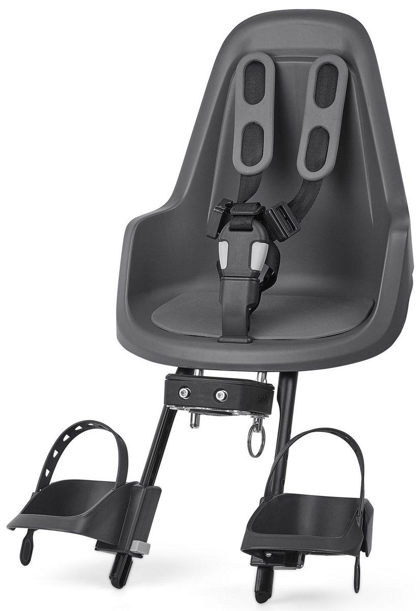 Велокресло переднее Bobike One Mini, крепление на руль, цвет: серый8012000003Bobike One Mini позволит исследовать город вам и вашему малышу по уникальному, и главное безопасному маршруту. Двухслойная конструкция кресла обеспечивает непревзойдённый уровень безопасности ребёнка. Кресло оборудовано мягкими нескользящими наплечными ремнями с надёжной застёжкой для удержания ребёнка в правильной позиции. Кресло оснащено водоотталкивающей гасящей вибрации подкладкой. Система крепления Click & Go позволяет быстро и без инструментов установить и снять велокресло, а также переставить его между разными велосипедами. Фронтальные кресла Mini совместимы с интегрированными Выносами городских велосипедов диаметром от 22 до 35 мм и штоками вилок горных велосипедов диаметром 1,1/8 дюйма.- Крепление на руль;- Нескользящие наплечные ремни с надёжной застёжкой;- Подкладка из водоотталкивающего, гасящего вибрации материала;- Регулируемые подножки, настраиваемые без инструментов;- Шестигранник для установки кресла в комплекте;- Голландский дизайн;- Сделано в Европе;- Для детей от 8 месяцев до 3-х лет или весом до 15 кг.