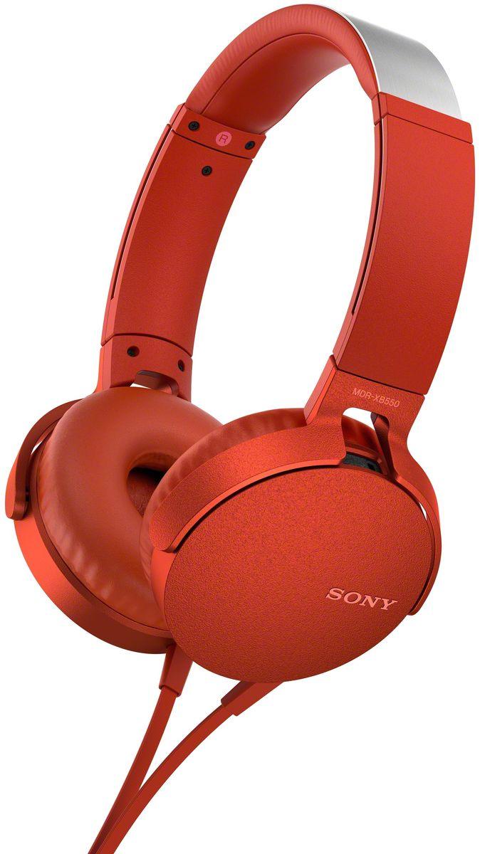 Sony XB550AP Extra Bass, Red наушники92477112Sony XB550AP Extra Bass - наушники для тех, кто любит мощные басы.Прочувствуйте мощь басов в любимых композициях с технологией EXTRA BASS, а яркие цвета наушников наполнят вас энергией и подчеркнут ваш стиль.Переключайтесь с музыки на вызов одним нажатием кнопки на встроенном пульте с микрофоном.Слушайте любимую музыку часами: благодаря мягким ушным накладкам и регулируемому металлическому ободу ваши уши не устанут. Смелый, стильный дизайн этих наушников создан для неординарных людей с хорошим вкусом.Легко управляйте треклистом и настройками звучания. Наушники оснащены встроенным пультом и микрофоном, так что вы сможете переключать треки и отвечать на звонки.