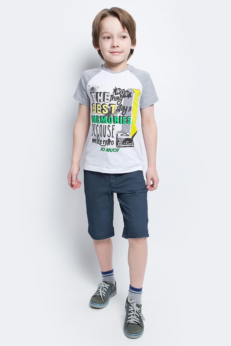 Шорты для мальчика Tom Tailor, цвет: темно-синий. 6404879.00.82_6975. Размер 1106404879.00.82_6975Оригинальные текстильные шорты для мальчика Tom Tailor выполнены их хлопка с добавлением эластана. Застегиваются шорты на пуговицу и имеют ширинку на застежке-молнии. Так же имеются шлевки для ремня. Предусмотрены карманы. Оформлена модель ненавязчивым узором.